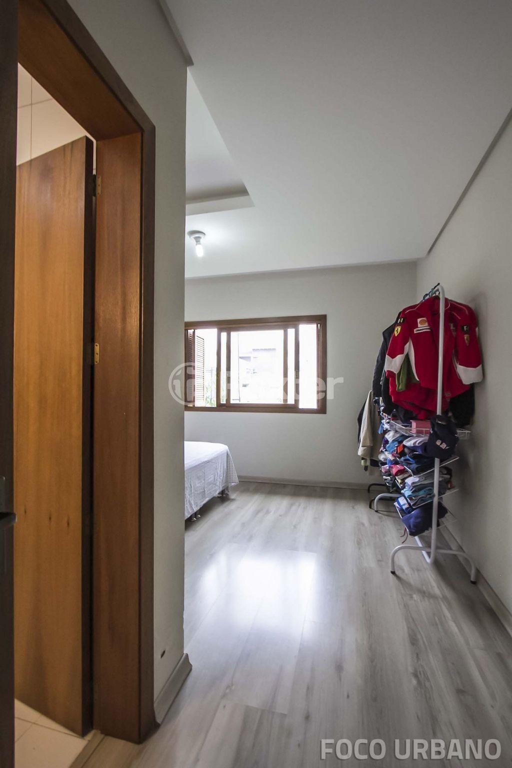 Foxter Imobiliária - Casa 4 Dorm, Mário Quintana - Foto 14